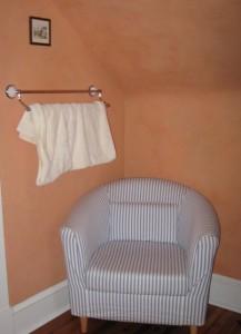 master bath sitting area 2nd floor bungalow bath
