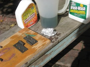 using aluminum foil for Removing Rust from Hardware :: Rust Bath 2