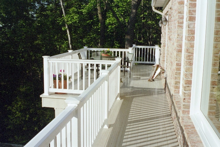 DeckLok decking long run with jet out balcony