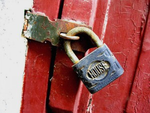 Padlock With Word house and Bright Red Door image via Marie Owens source :: unknown