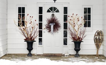 Door Decorating For Christmas image via interiorking.com
