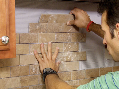 Finding and Installing the Right BackSplash for the Kitchen