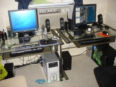 computer desk materials :: glass desk