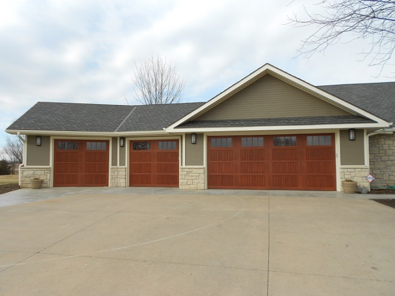 Choosing a New Garage Door :: wood garage door