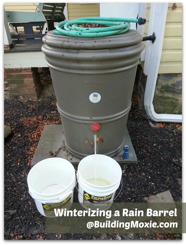 winterizing a rain barrel #winterization BuildingMoxie.com