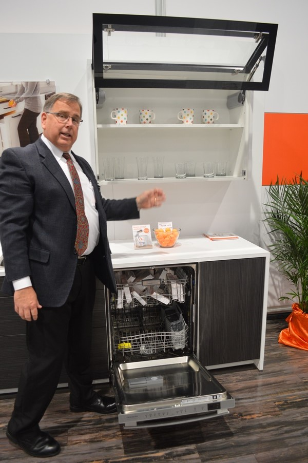 Blum touch open lift door at KBIS 2014